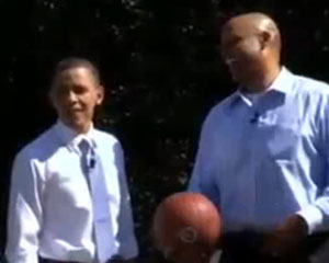 photo Barack Obama joue au basket contre Clark Kellogg