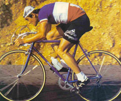 photo Bernard Hinault remporte son 1er Tour de France