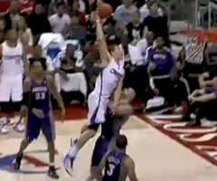 photo Dunk monstrueux de Blake Griffin sur Marcin Gortat