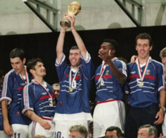 photo Equipe de France gagne la Coupe du Monde de Football 1998 en France
