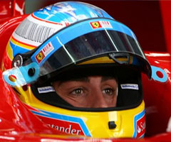 photo Fernando Alonso gagne le Grand Prix Barheïn 2010
