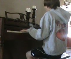 photo Greyson Chance chante Singing Stars
