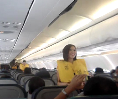 photo Hôtesses de l'air de Cebu Pacific dansent du Lady Gaga et du Katy Perry dans l'avion