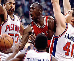 photo Michael Jordan marque 61 points contre Detroit Pistons