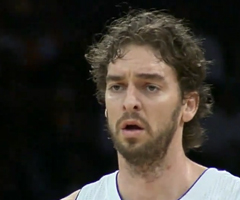 photo Pau Gasol termine un match avec 100% de r�ussite (28 points, 10/10 au shoot et 8/8 aux lancers francs)