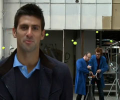 photo Pub Head Novak Djokovic affronte la Tennis Machine