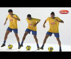 photo Robinho, Neymar et Ganso dribblent sur Single Ladies de Beyonce