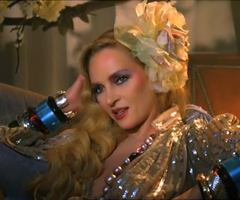 photo Uma Thurman sexy pour pub Schweppes