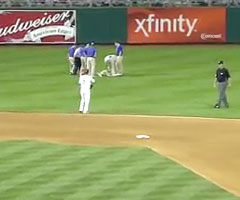 photo Un supporter se fait tazer sur un stade de baseball