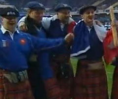 photo Le XV de France réalise le Grand Chelem dans le Tournoi des six nations 2002